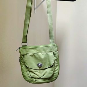 Baggallini lime green expandable purse